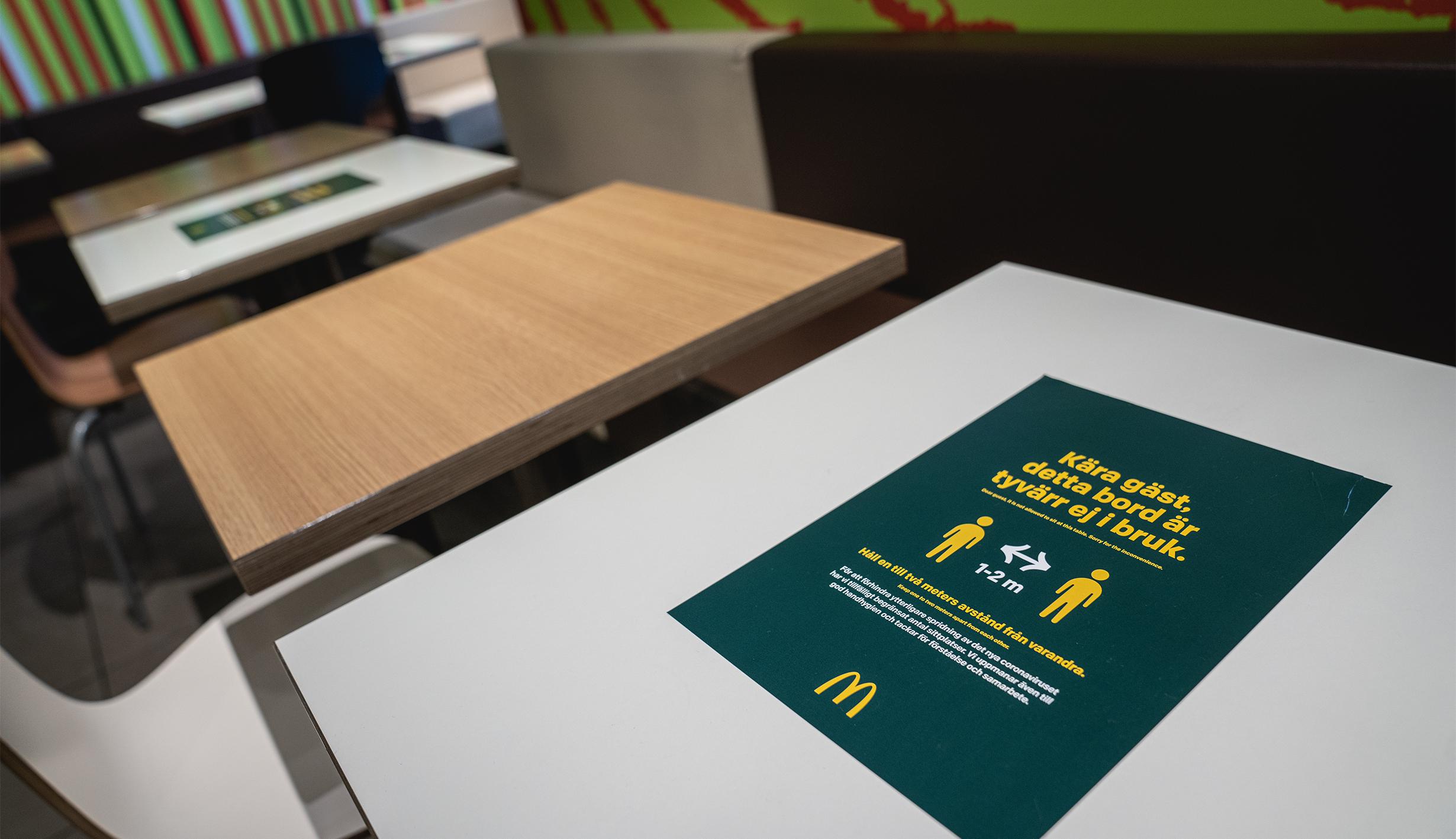 Social distancing McDonalds Goteborg Švédsko, Foto: David Váňa